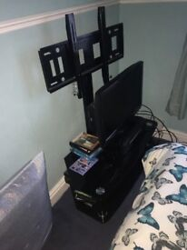 Glass Tv stand and bracket