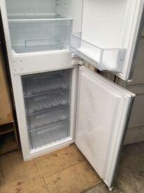 Integrated fridge and freezer 50/50