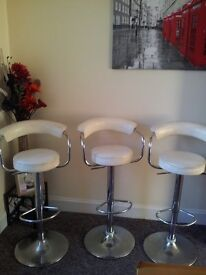 AS NEW X 3 CREAM LEATHER PUMP BARSTOOLS