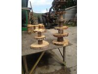 RUSTIC WEDDING CAKESTAND CUPCAKES DONUT WALL CENTREPIECES