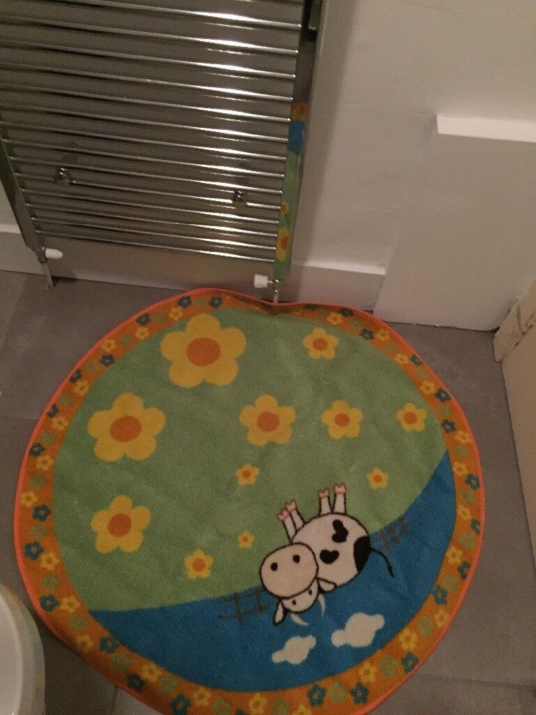Circular Baby / Children\'s bedroom Farm Mat Rug and Cot Hanging ...