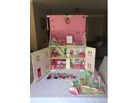 Rosebud dolls house lots of extras