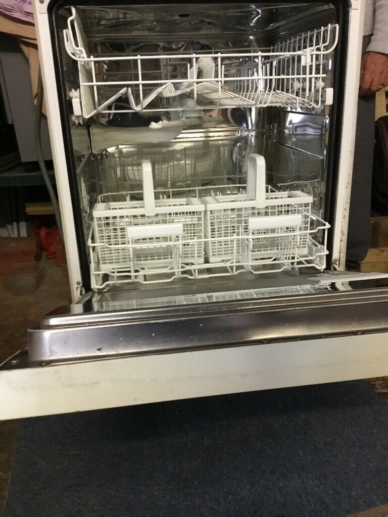 Diplomat integrated dishwasher