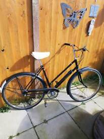 Ladies vintage Raleigh sport cycle