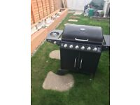 Gas Barbecue Grill With 5 Burners and 1 Side Burner