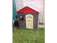 play house missing window frame on front an back has stain on it but other than that is fine