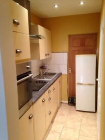 Furnished Studio Flat Inc Bills in Kenton Harrow Separate Kitchen Bathroom Close to Station Shops