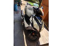 Sinnis Shuttle 125 Moped Scooter