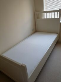 Singe bed, adjustable to 45 degrees, excellent condition