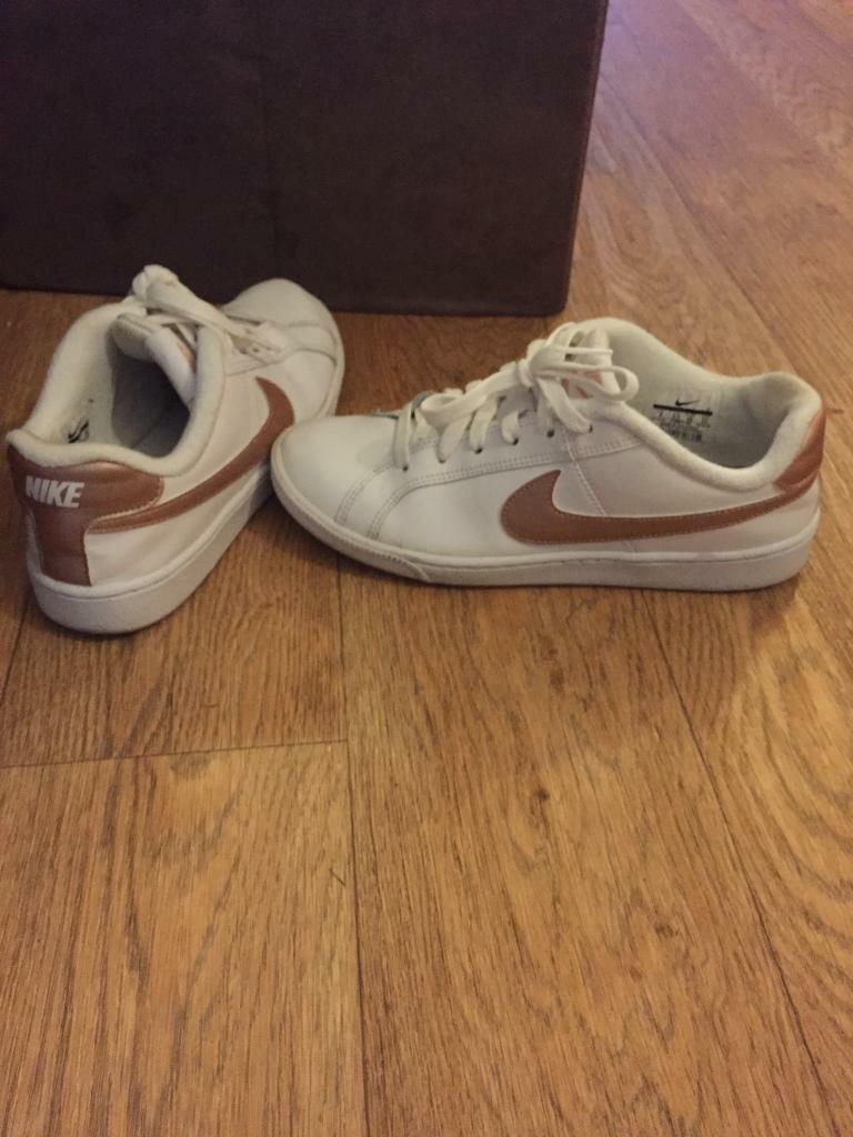 b18c54c3d604 Nike trainers