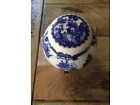 'Willow' blue and white pot for sale