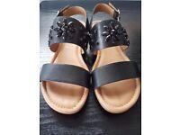 Women's Black Leather Clarks sandals size 6 (E fit)