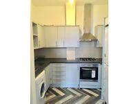 Two bedroom flat in Barking IG11 8NL/only two weeks deposit