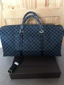 Louis Vuitton Grey/Black Duffel Large Travel bag with a strap