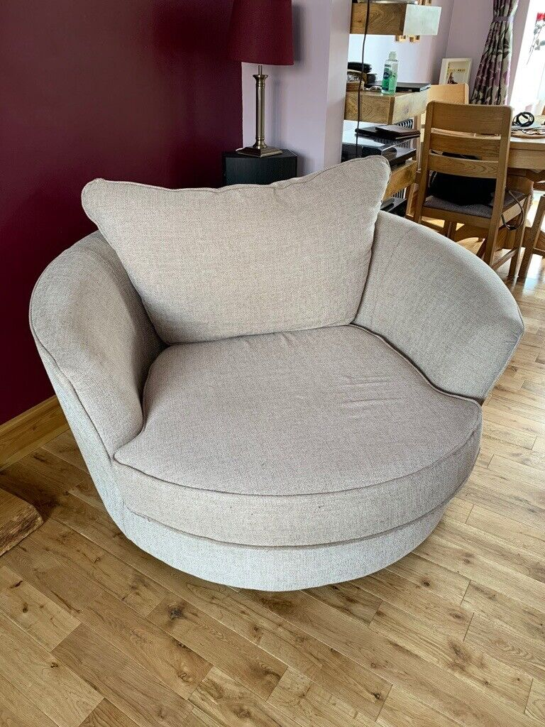 Big Round Swivel Chair In Langley Mill Nottinghamshire Gumtree