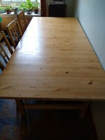 Expandable kitchen table and bench