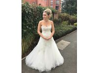 Beautiful lace wedding dress , originally brought for £2000 will fit size 8-12