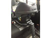 Maxi cosi pebble plus car seat and maxi cosi 2 way fix base
