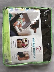 Folding travel cot with fitted sheet goldbug