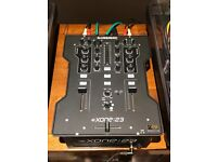 Allen & Heath Xone 23 2+2 Chanel mixer ideal for experienced turntable users as well as beginner DJs