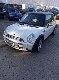 Mini Cooper 1.6 petrol come with full mot and 3 months warranty