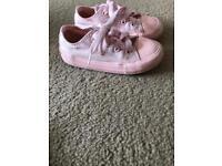 Pink converse size 7