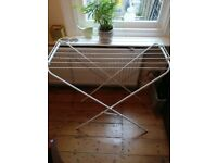 small drying rack (perfect for bath)