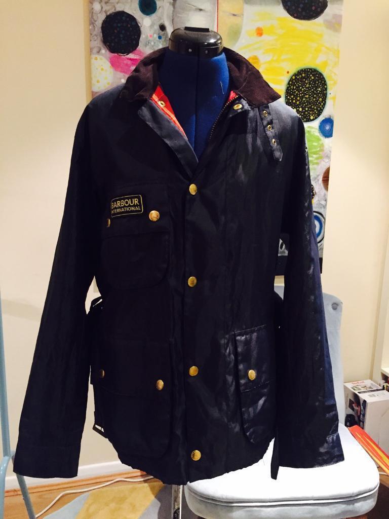 Barbour jacket mans size-M (navy blue)weatherproof
