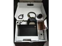 PS4, 500GB, Black, 1 controller, hdmi cable, headset.