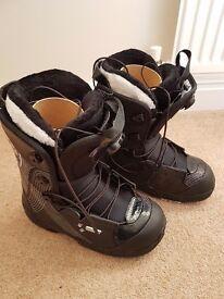 Womens Salomon Snowboard Boots EU 39