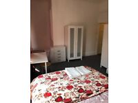 2 Double Ensuit rooms in the same flat. Golders Green