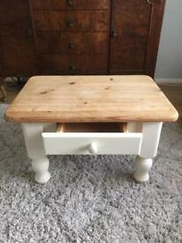 Country Style Shabby Chic Coffee Table
