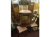 lovely dinning table and chairs for sale