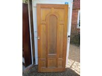 Solid Oak Door with internal glass feature. Brass fittings, Double lock including Yale deadlock.