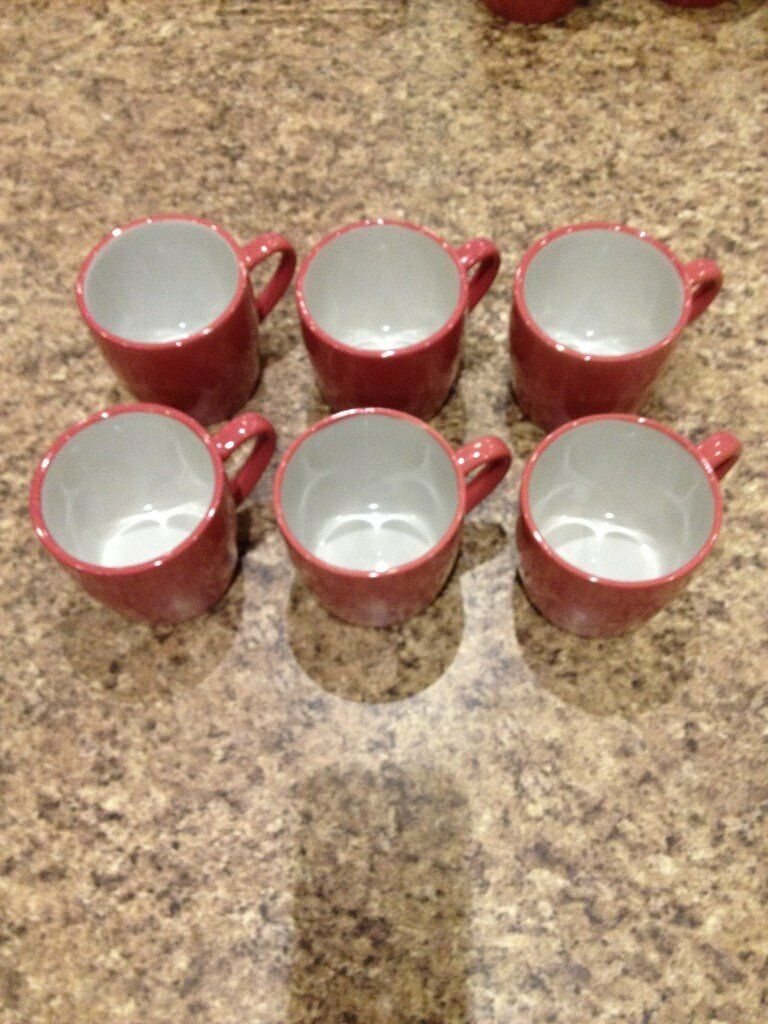 SET OF SIX MUGS
