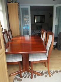 ROSEWOOD EXTENDABLE DINING TABLE/6 CHAIRS £350.00 SUPER QUALITY.