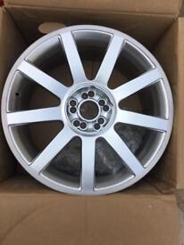 Brand new 18 alloy wheel
