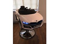 Brand new 2018 kids bmw i8 style professional barber/salon hairdressers chair