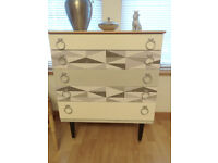 Mid-Century 1960's Shrieber Chest of 5 Graduated drawers
