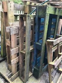 Wood pallets free