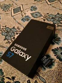 *Samsung galaxy s7 Black 32gb, UNLOCKED boxed charger fully working