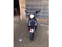 Black Honda PS 125cc moped scooter - LOW MILEAGE!