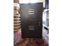 2 drawer A4 Metal Filing Cabinet. Dark Green with keys