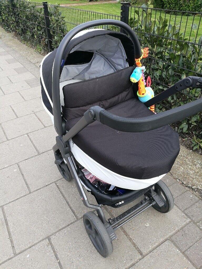 Chicco Stylego Travel System pram pushchair car seat