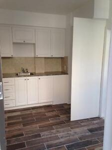 Beautiful freshly painted 4 1/2 for rent in Outremont!