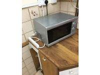 1 Russell Hobbs microwave in good condition