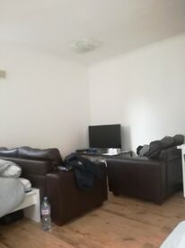double room for couple or friends in high street kensington