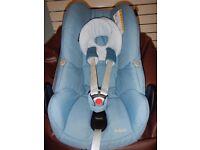 Maxi Cosi Pebble Car Seat in Blue Charm
