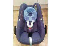 Maxi Cosi Pebble baby car seat compatible with FamilyFix base and Easy Base 2