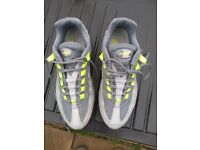 Nike Air Max 95 trainers - size 6
